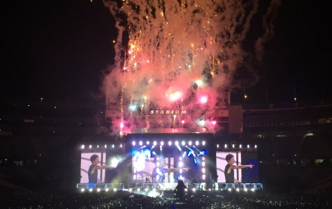 One Direction pleases crowd