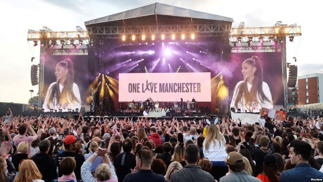 Just+weeks+after+the+terrorist+attack%2C+a+benefit+concert+called+One+Love+Manchester+was+organized+to+raise+money+for+victims.