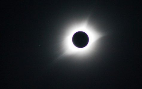 Total Solar Eclipse Excites People Around the Country