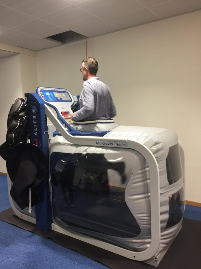 Courtasy of Wiki-commons An Anti-gravity treadmill that helps runners use in order to come back from injuries