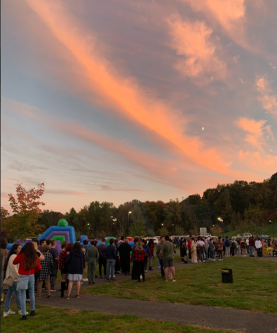 Homecoming Draws A Large Crowd In A New Outdoor Setting
